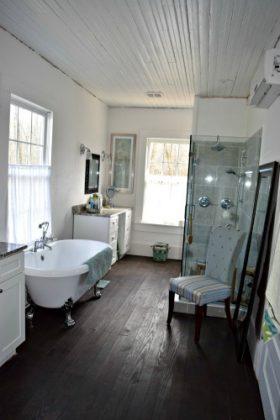 Retirement House - bathroom