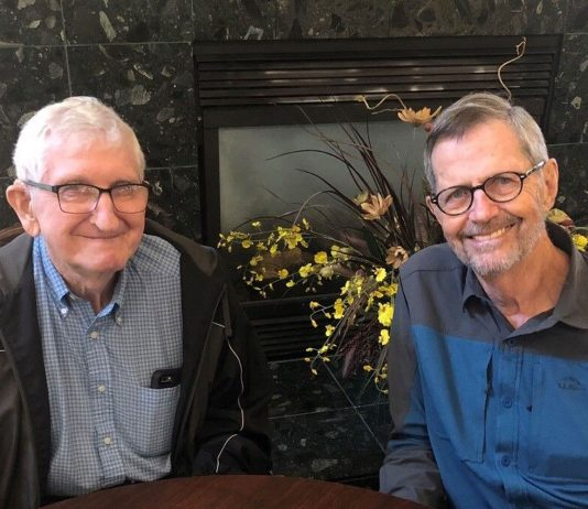 Dale Lieske (l) and John Muthe are both members of the new OLLI Special Interest Group for retired men
